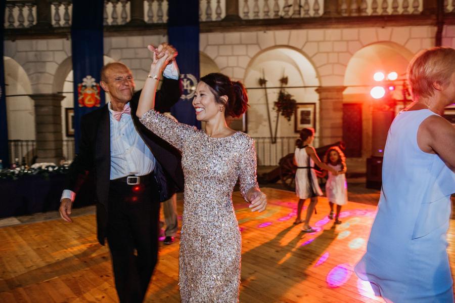 zamek w niepołomicach, przyjęcie na zamku, wesele na zamku, ślub w krakowie, kościół św barbary, ślub w krakowie, ślub klasyczny, niepołomice, klasyczne wesele, międzynarodowe wesele