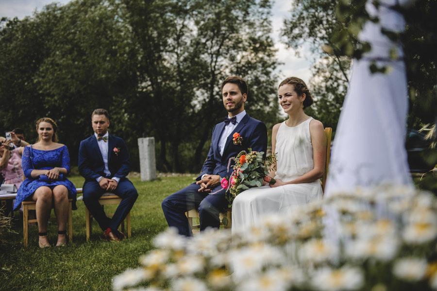 hacjenda dolina żab, slub plenerowy, rustykalne wesele, wesele w stodole