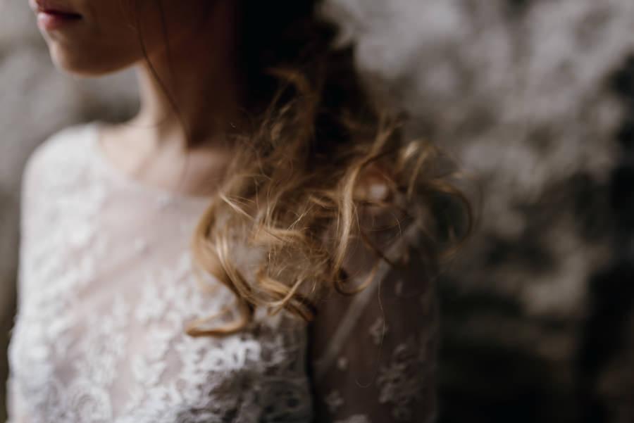 sesja ślubna, stylizowana sesja ślubna, sesja boho, sesja w szklarni, sesja plenerowa na pustyni, zimowa sesja ślubna, jura krakowsko częstochowska, minerały, bukiet ślubny,