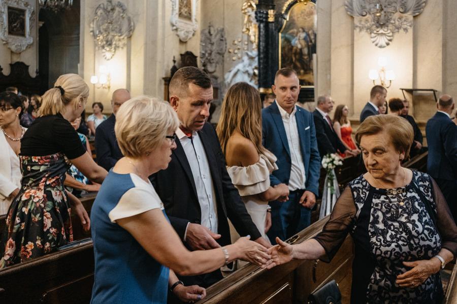 nietypowy ślub w Krakowie, fotografia ślubna Kraków, wesele w hotelu niebieskim w Krakowie, ślub na Skałce