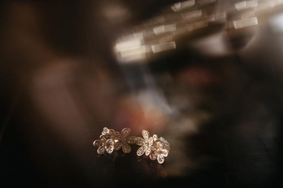 kolczyki na ślub, detal ślubny