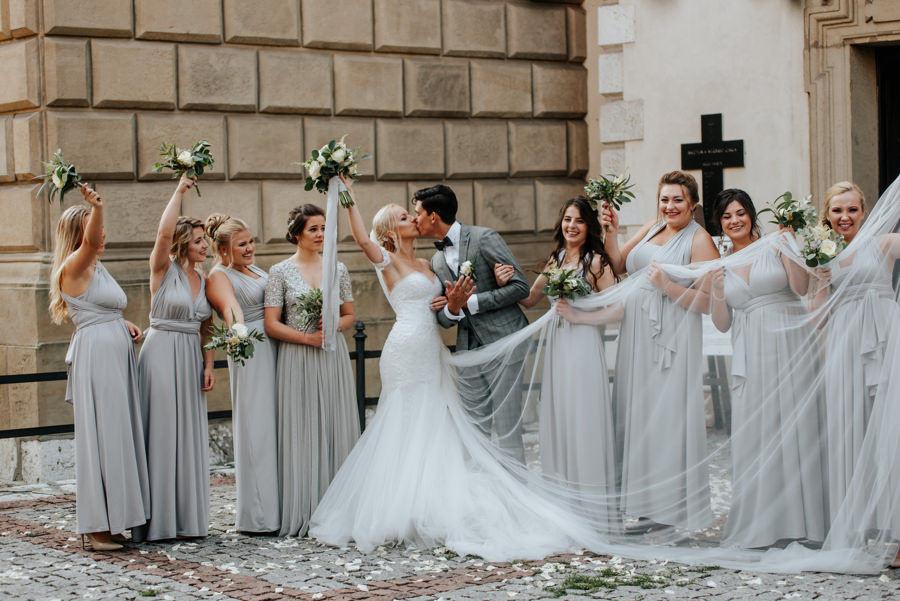 Druhny i drużbowie, eleganckie wesele, ślub w Krakowie, Industrialne wesele w Starej Zajezdni