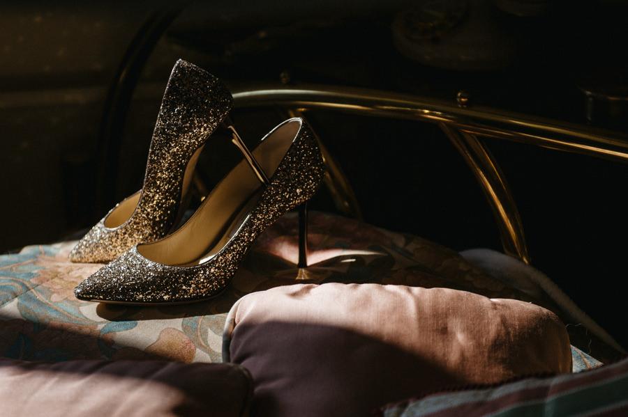 detale ślubne, buty panny młodej, przygotowania do ślubu