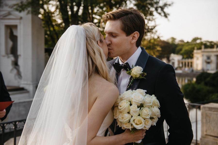 ślub plenerowy w Warszawie, Łazienki Królewskie, ślub w amfiteatrze, ceremonia ślubna w amfiteatrze w Warszawie