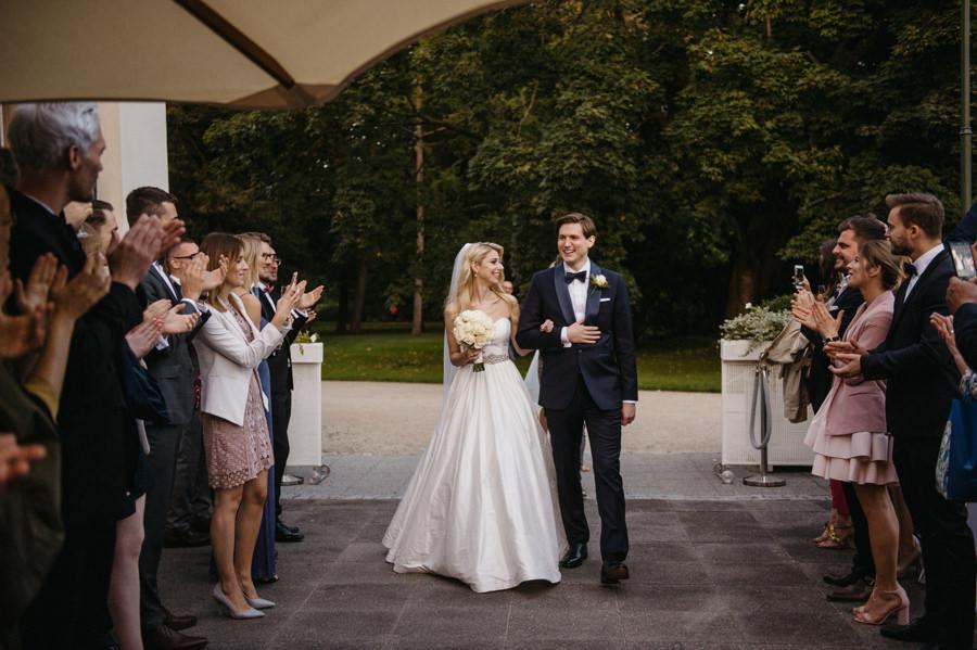 wejście pary młodej, wesele w restauracji Belvedere, fotograf ślubny Warszawa