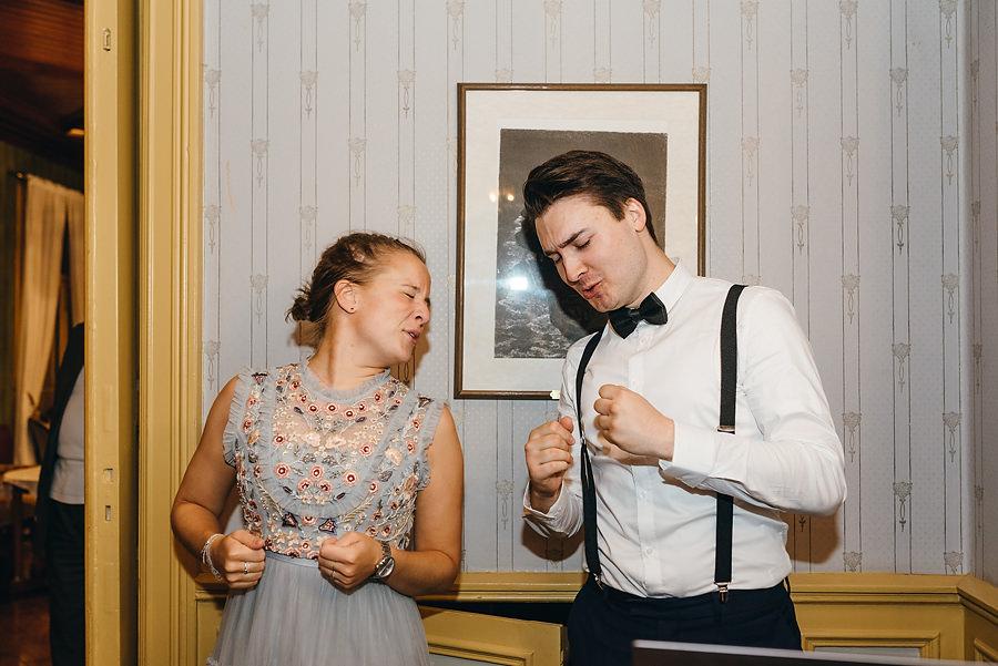 ślub w Norwegii, wesele w Norwegii, ślub w starym kościele, fotografia ślubna Norwegia, zagraniczny ślub, ślub za granicą, lmfoto, zdjecia ślubne, zagraniczna para młoda