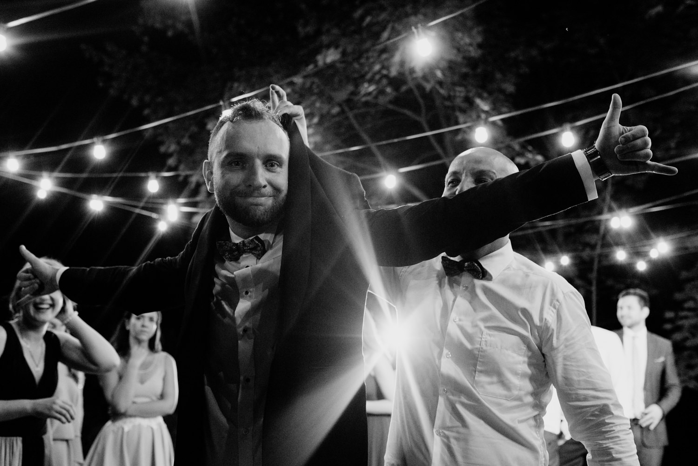 wesele w pałacu żeleńskich, pałac żeleńskich, wesele w plenerze, wesele pod chmurką, ślub plenerowy, ślub pod krakowem w plenerze, piękny rustykalny ślub, świetna zabawa na weselu, lmfoto