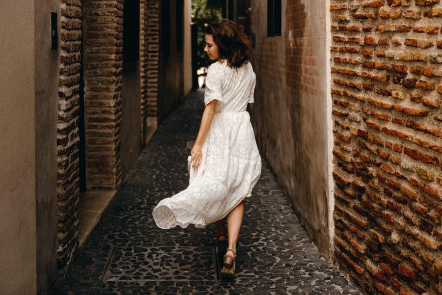 sesja ślubna w hiszpanii, zagraniczny plener ślubny, lmfoto, plener w Maladze, malaga sesja ślubna, plenerowa sesja za granicą, plener ślubny w Hiszpanii, suknia ślubna, panna młoda, uciekająca panna młoda