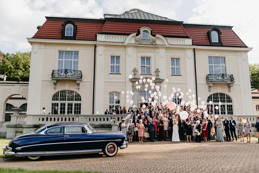 stylowe wesele, pałac goetz, samochód do ślubu, eleganckie auto, hudson hornet do ślubu