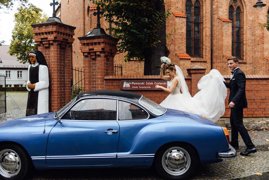stylowy volkswagen, niebieskie auto, samochód do ślubu, retro volkswagen
