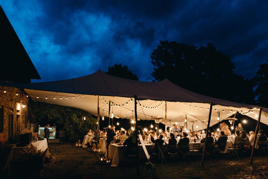 wesele pod namiotem, wesele w toskanii, rustykalne wesele, detale ślubne, ślub we włoszech