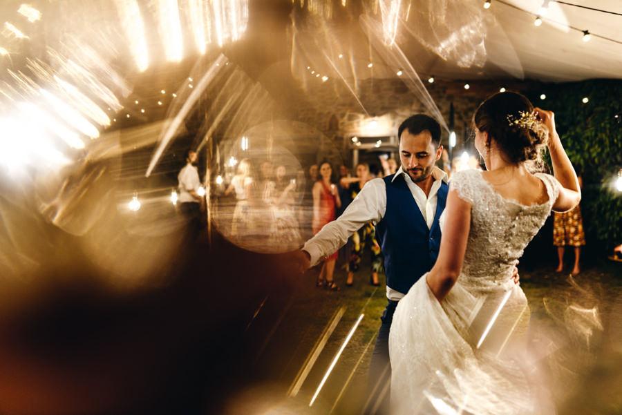 ślub w toskanii, wesele w chianti farm, rustykalne wesele, pierwszy taniec