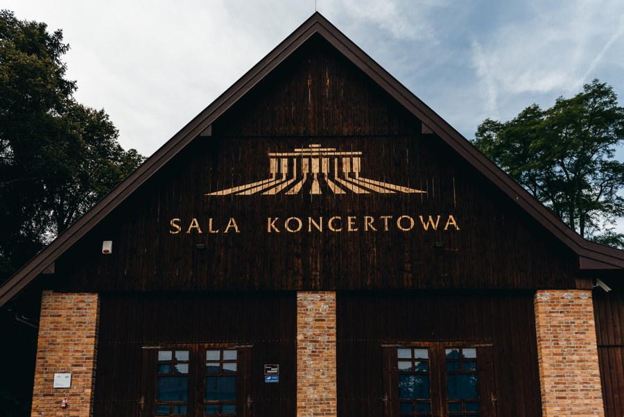 stodoła w kąśnej, rustykalne wesele, wesele w stodole