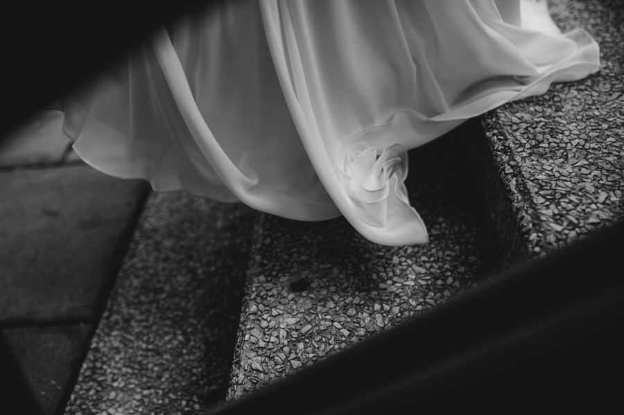 suknia wiatr schody