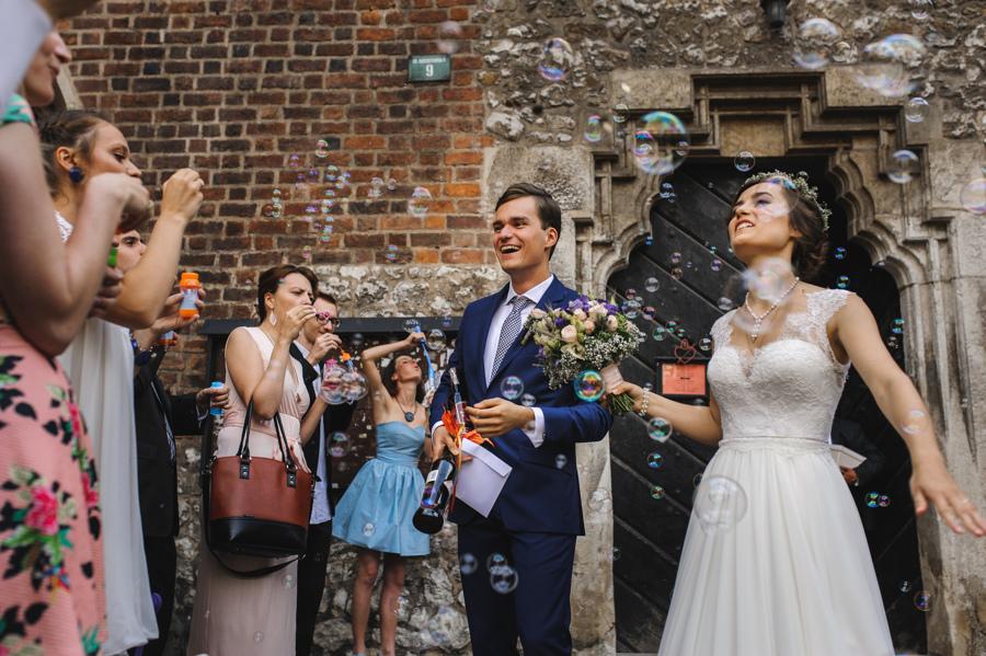 banki mydlane wyjscie goscie weselni