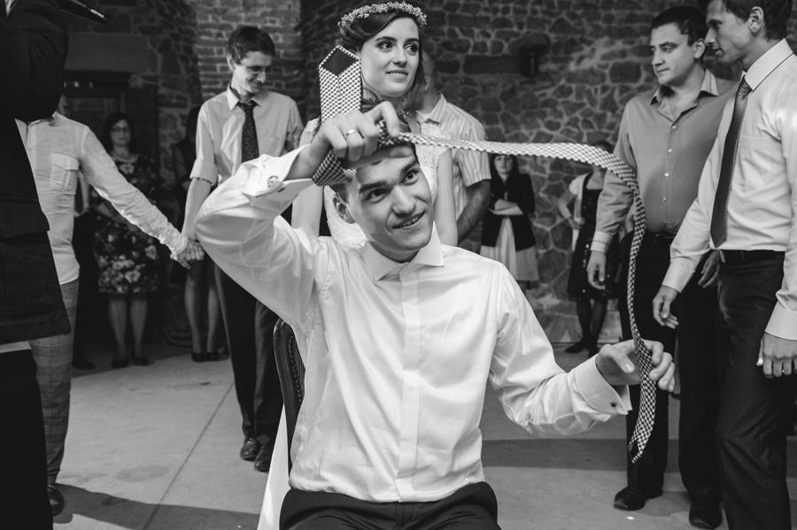 oczepiny krawatka pan mlody goscie taniec