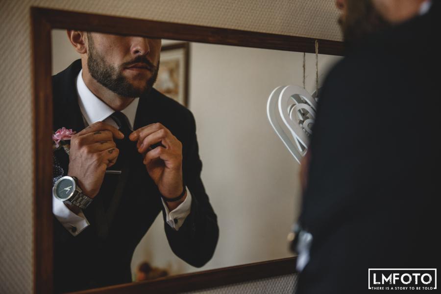 muszka ubranie garnitur lustro