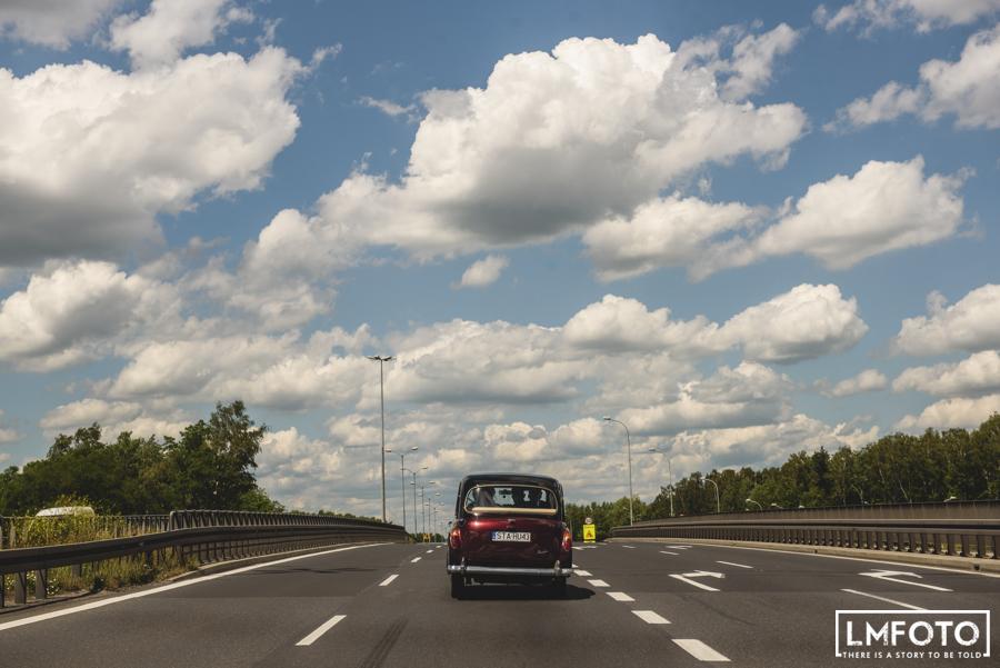 samochod zabytkowy droga asfalt