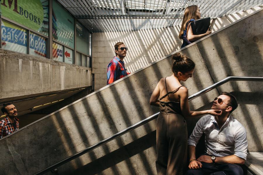 metro ludzie schody ruchome