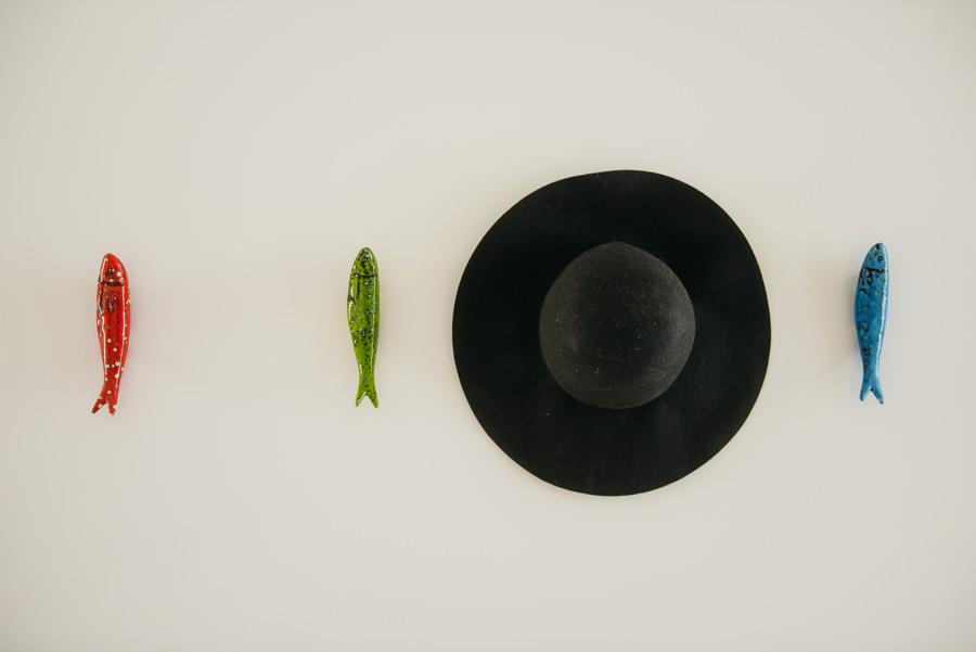 ryby kapelusz sciana
