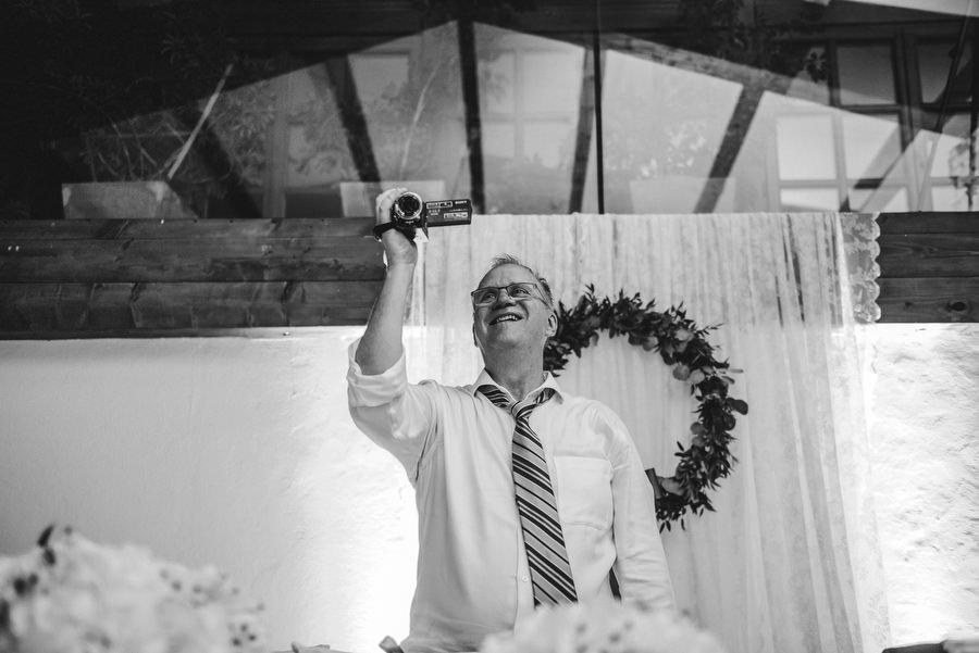 fotografia ślubna kraków, zdjęcia ślubne kraków, dwór w Tomaszowicach, reportaż ślubny, zdjęcia ślubne, LMFOTO, lmfoto.pl, para młoda, kościół św. anny, ślub w kościele św. anny, ślub w krakowie, ślub w dworze w tomaszowicach