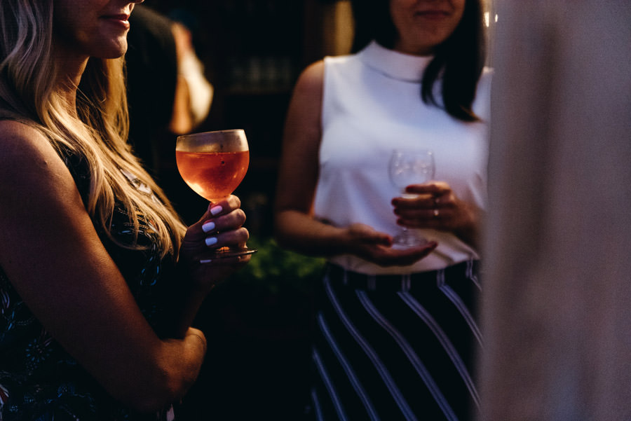 drink na weselu, aperol, strefa chillout, stodoła wszystkich świętych wesele, impreza, slow wedding, pogaduchy