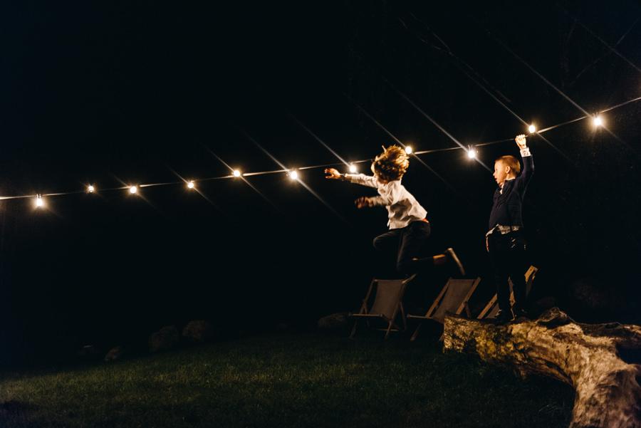 stodoła wszystkich świętych wesele, impreza, slow wedding, pogaduchy, dzieci na weselu