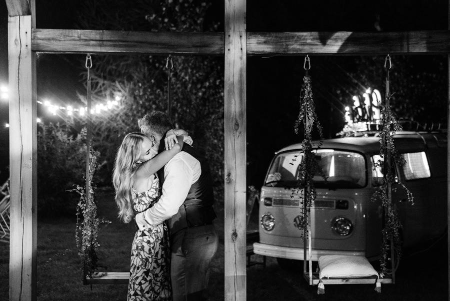 stodoła wszystkich świętych wesele, fotobudka w ogórku,