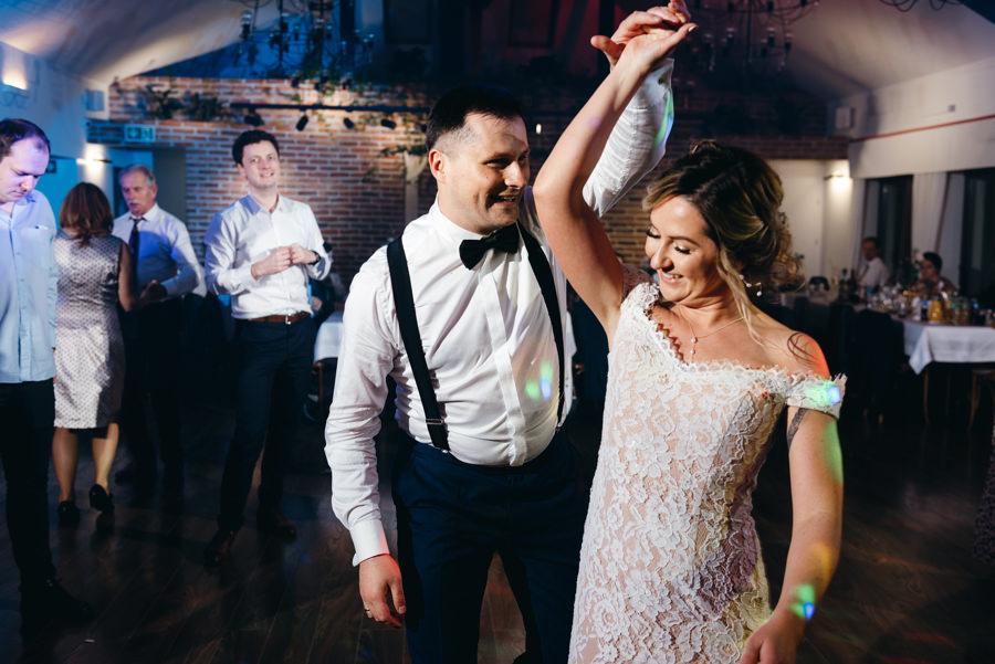 dwór kociołek wesele, sala weselna w Dobczycach, rustykalne wesele