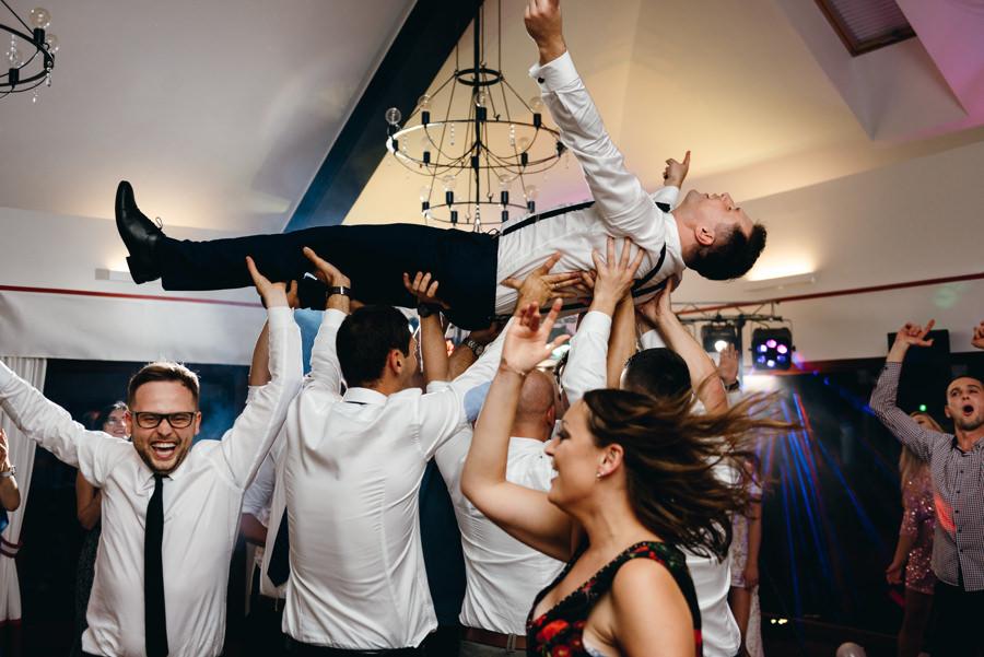 dwór kociołek wesele, sala weselna w Dobczycach