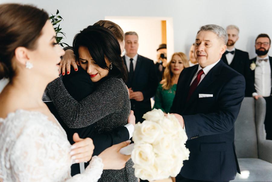 blogosławieństwo rodziców, wzruszajacy moment, reportaż ślubny