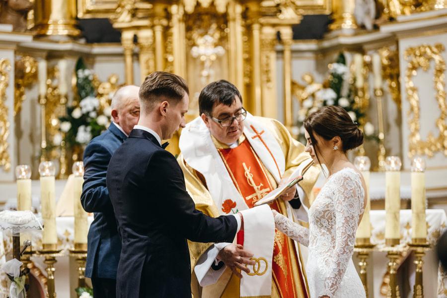 przysięga ślubna, ceremonia ślubna, fotograf Bochnia, reportaż ślubny