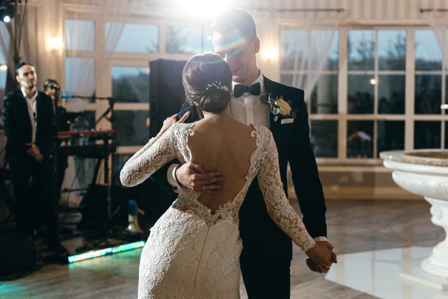 pierwszy taniec, Hotel Panorama Garden, wesele, reportaż ślubny, Fotograf Bochnia