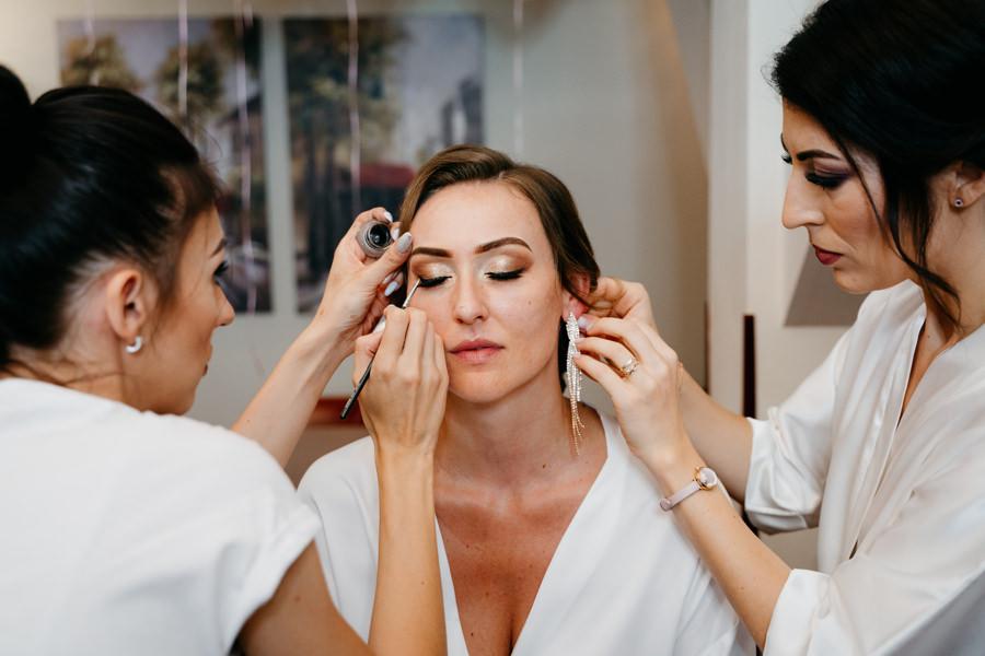 przygotowania ślubne, makijaż, panna młoda, druhenki