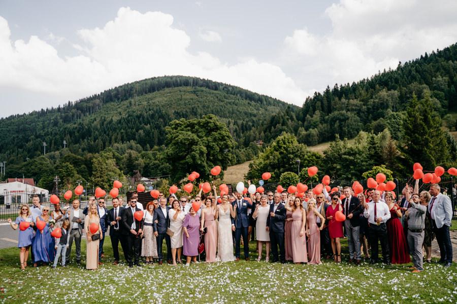 zdjęcie grupowe gości