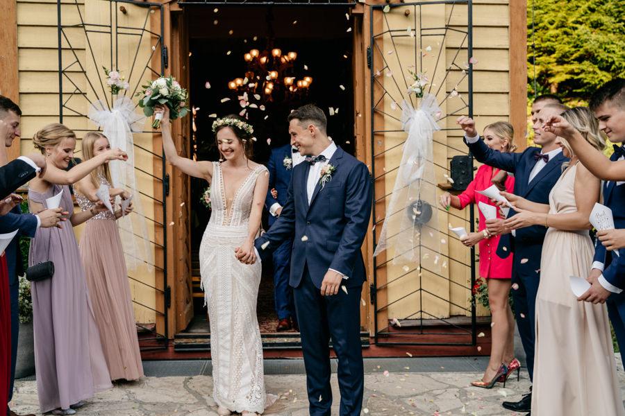 ojcowski dworek, ślub pod krakowem, sesja w ojcowie, klimatyczne miejsce na przyjęcie