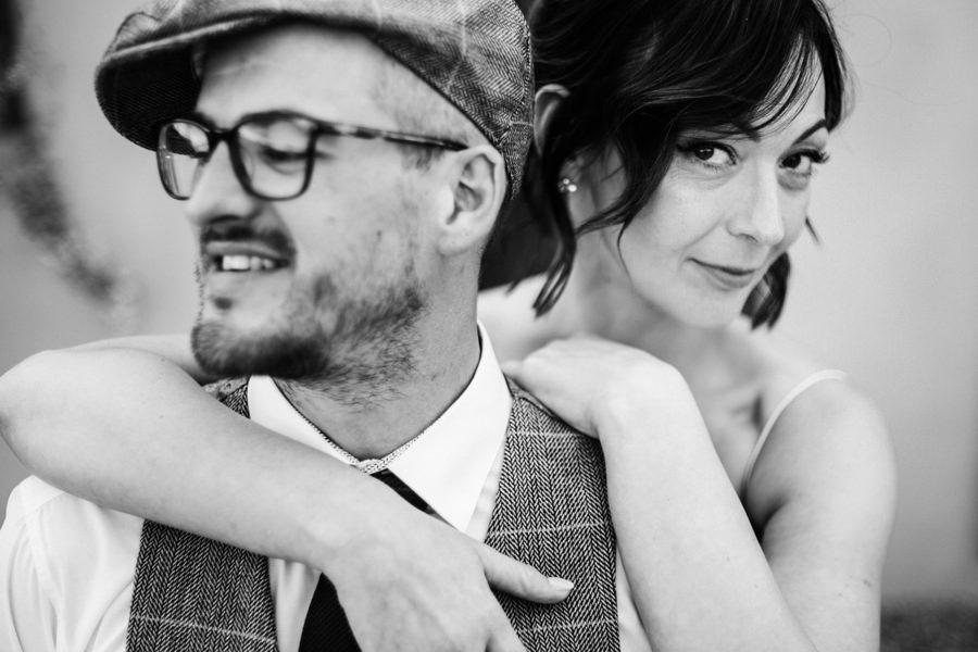 ślub w Villa Love, wesele w toskańskim klimacie,, portret pary młodej, sesja zdjęciowa w dniu ślubu