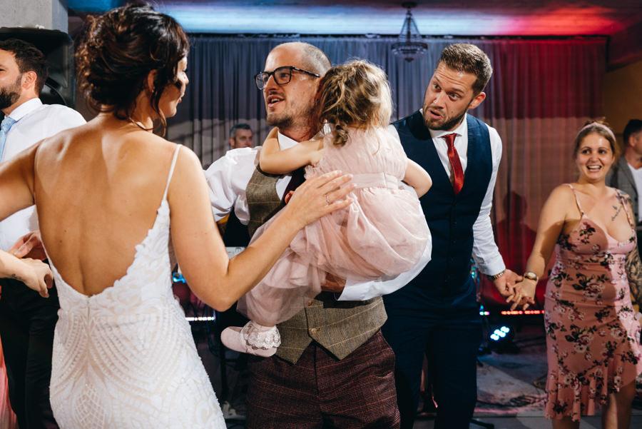 ślub w Villa Love, fotoreportaż ślubny, fotograf ślubny Kraków, impreza weselna
