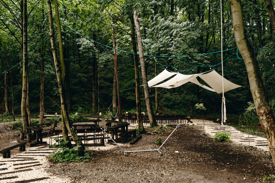 stara kruszarnia, ślub w plenerze, las,