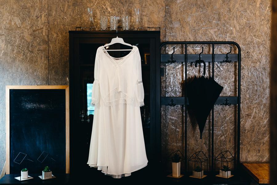 stara kruszarnia, ślub w plenerze, boho suknia ślubna